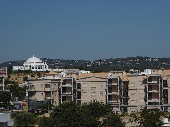 Loule, البرتغال: Blick über ein Teil von Loule vom Garten Jardim Dos Amuadas