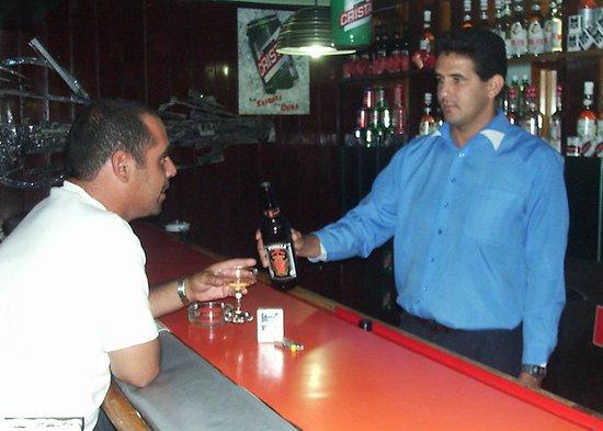 Manzanillo, Cuba: tambien se puede disfrutar de la cocteleria