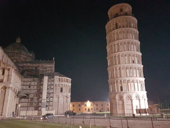 ‪Leaning tower Pisa‬