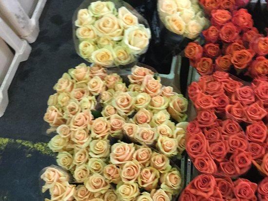 Rungis Market: Beautiful flowers