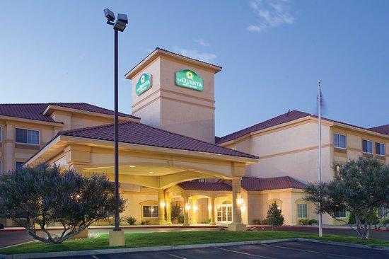 La Quinta Inn & Suites Albuquerque Midtown: Exterior