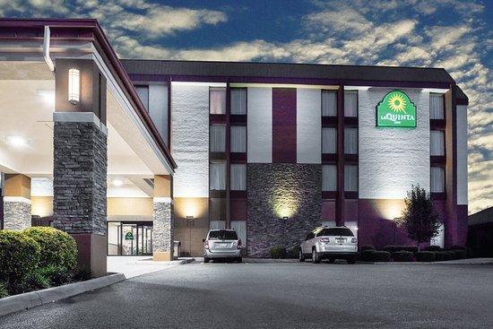 La Quinta Inn & Suites Wytheville: Exterior