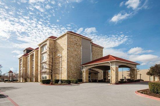 La Quinta Inn & Suites Mansfield