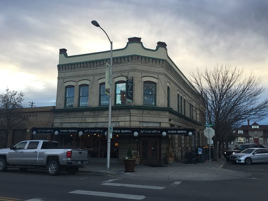 Ontario, OR : Historic building downtown - plenty of street parking nearby