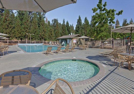 Bass Lake, كاليفورنيا: Pool