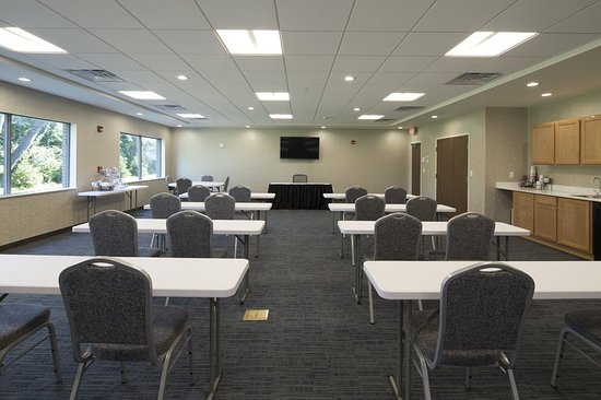 Holiday inn express suites portage for 12 by 16 room