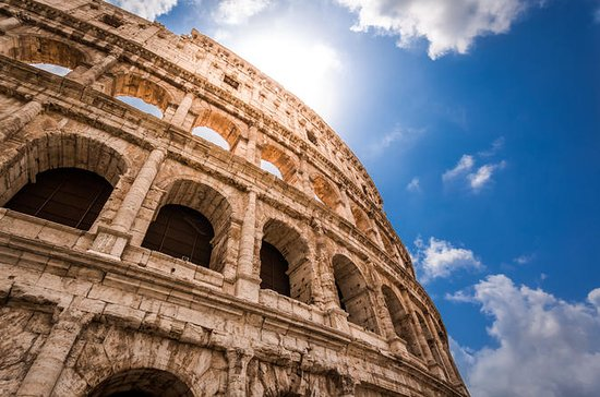 Small Group: Special Access Ancient Roman Palaces & Colosseum Tour