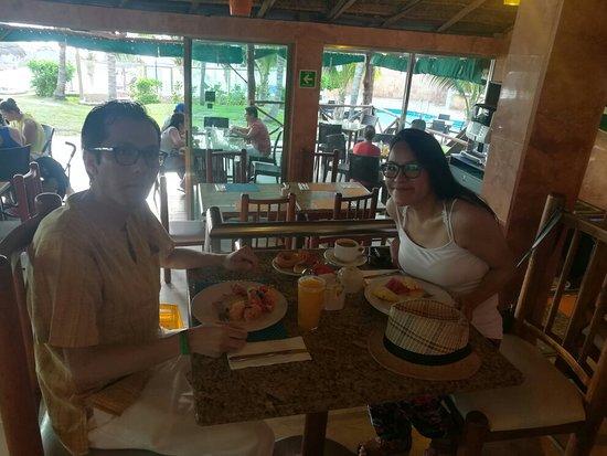 Hotel Faranda Dos Playas Photo