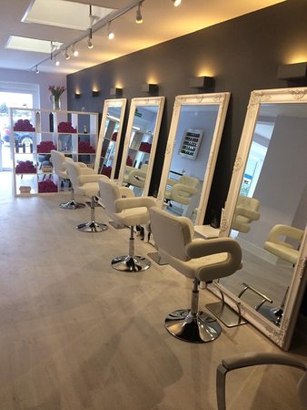 Aldeburgh, UK: Hair Salon for Ladies, gents & children
