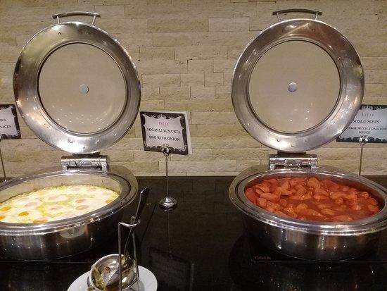 Kolin Hotel: Variety of food