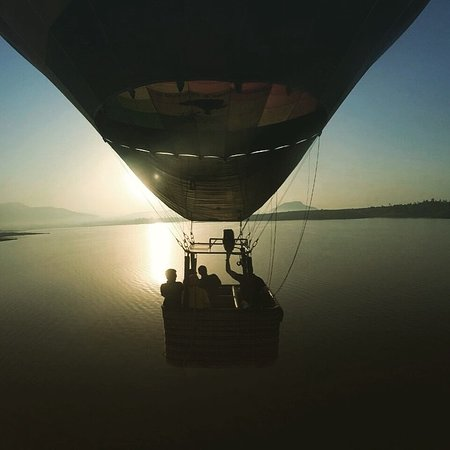 Sky Waltz Balloon Safari