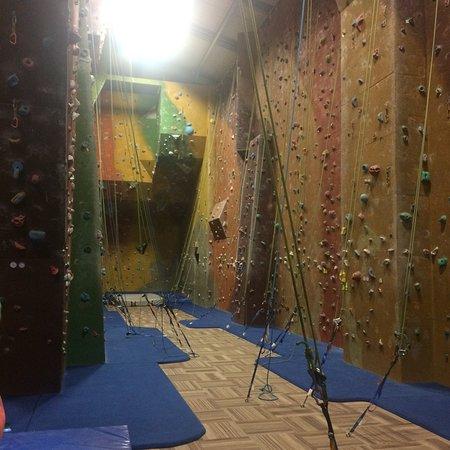 Extreme Edge Indoor Cl...