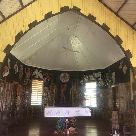 Day trip to Tiwi Island