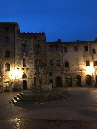 Hotel Leon Bianco: Uscita dall'hotel
