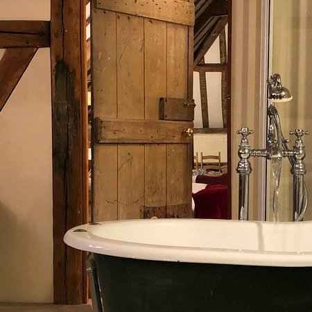 The Stables at Henham Park: Roll top bath in Minsmere Room