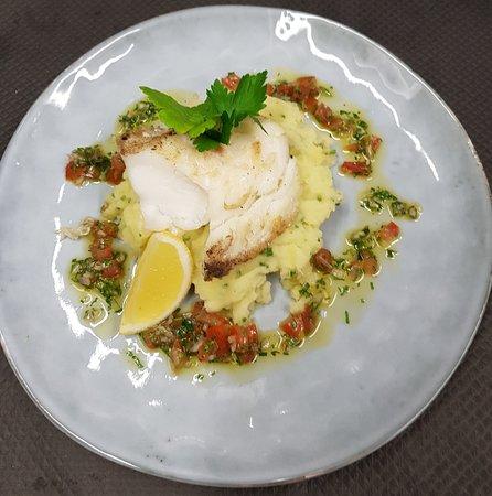 Restaurant brasserie des ecoles dans lyon avec cuisine for Ecole superieure de cuisine francaise