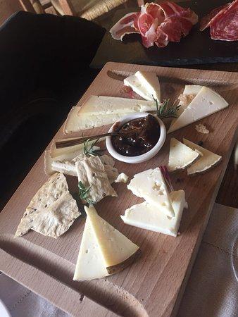 Podere Il Casale : tagliere di formaggi