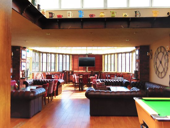 Morton Arms: Our lounge.