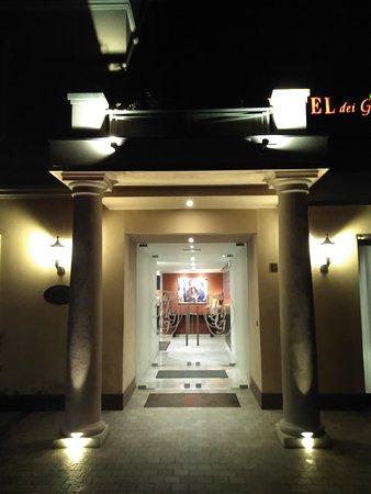 Reggiolo, Italie : Main entrance
