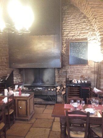 Le Grenier à Sel: cheminée grill pour viandes