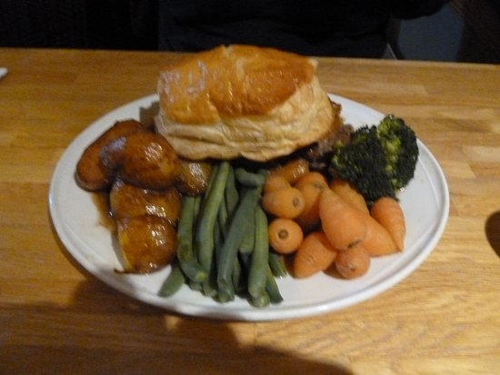 The Laird and Dog: Steak pie