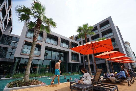 Sugar Marina Resort - Surf: poolview