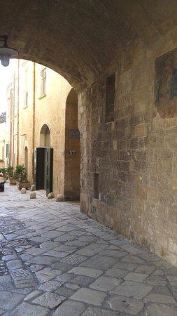 un'ingresso dei sassi da piazza della Cattedrale