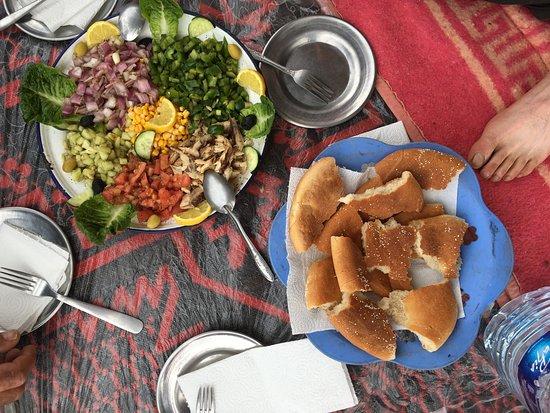 Repas de midi l 39 entr e seulement picture of iguidi for Entree de repas
