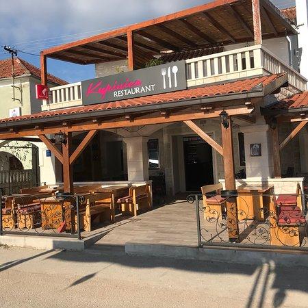Vinisce, Хорватия: Restaurant Kupinica