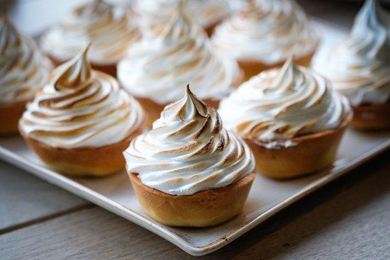 Sheriff Hutton, UK: Lemon Meringue Pies