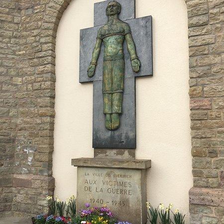Eglise St. Laurent: photo1.jpg