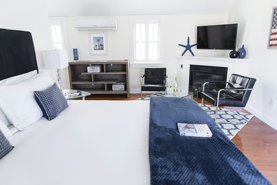 West Harwich, MA: Luxury Superior room #8