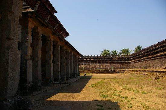 Moodabidri, Indien: The side ..