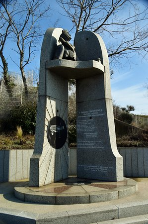 Monument a Georges Guynemer