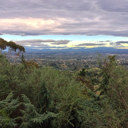 Havelock North, New Zealand: Biking and hiking trails. Hangliding. Stunning views.