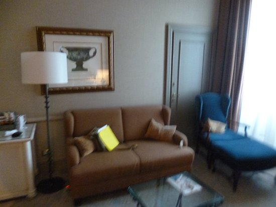 The Westin Excelsior Florence: Sofa/ Living Area