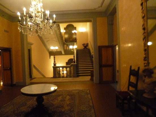 The Westin Excelsior Florence: Common Area Leading to Stairs