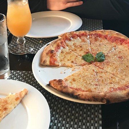 XQ's Pizza Bar Grill: photo0.jpg