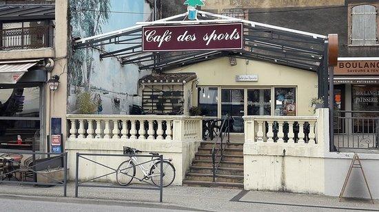 La Voulte-sur-Rhone, Γαλλία: Bar des Sports avec belle terrasse