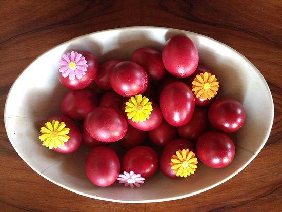 Cotommatae Hydra 1810: special red eggs for Easter (only once a year), do spend Greek Orthodox Easter week on Hydra