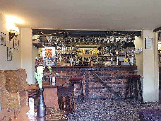 The Royal Oak at Wootton Rivers: The public bar