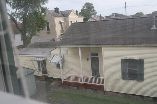 1896 O'Malley House Bed and Breakfast: view from room