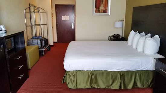 Best Western Mainland Inn & Suites Picture