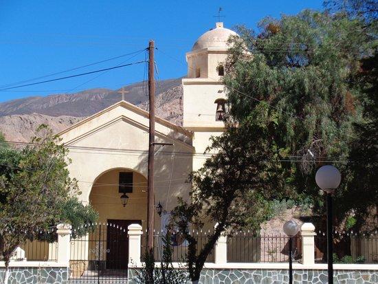 Maimara, Argentina: Vista de la fachada del templo