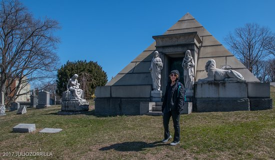 Green-Wood Cemetery : Pyramid Tomb