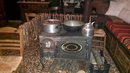 Zagora, Yunani: Handmade sausages!