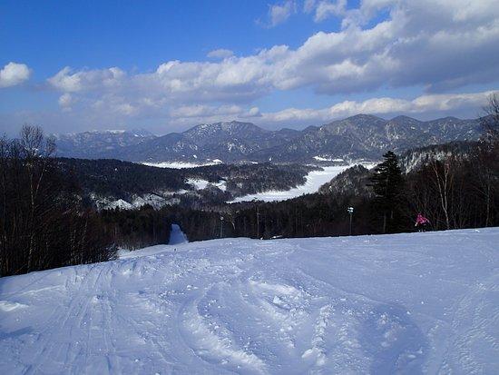 Kamishihoro-cho, اليابان: 糠平湖を眺めながら滑ることができます