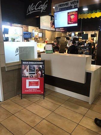Sainte-Helene-de-Bagot, Canada : Pick Up Counter
