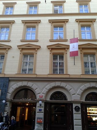 Rott Hotel: fachada hotel