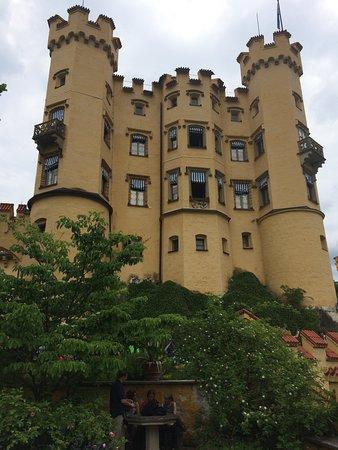 Schloss Hohenschwangau: Castelo Hohenschwangau em junho